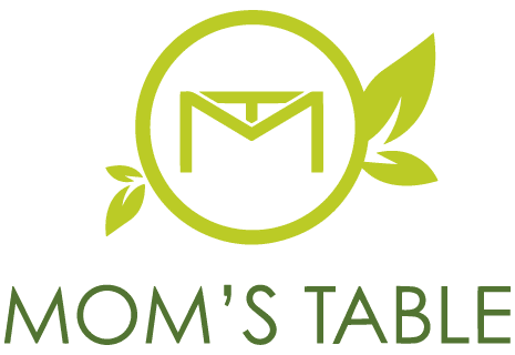 logo Mom's Table